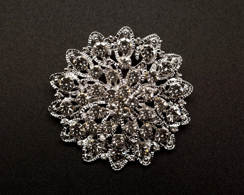 "1 1/2"" Silver Round Rhinestone Fashion Brooch Pin - Pack of 12 (BHB032)"