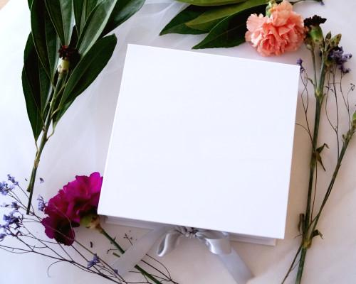 "7.5"" x 7.5"" White Rigid Proposal Box with Silver Ribbon - 1 Gift Box"
