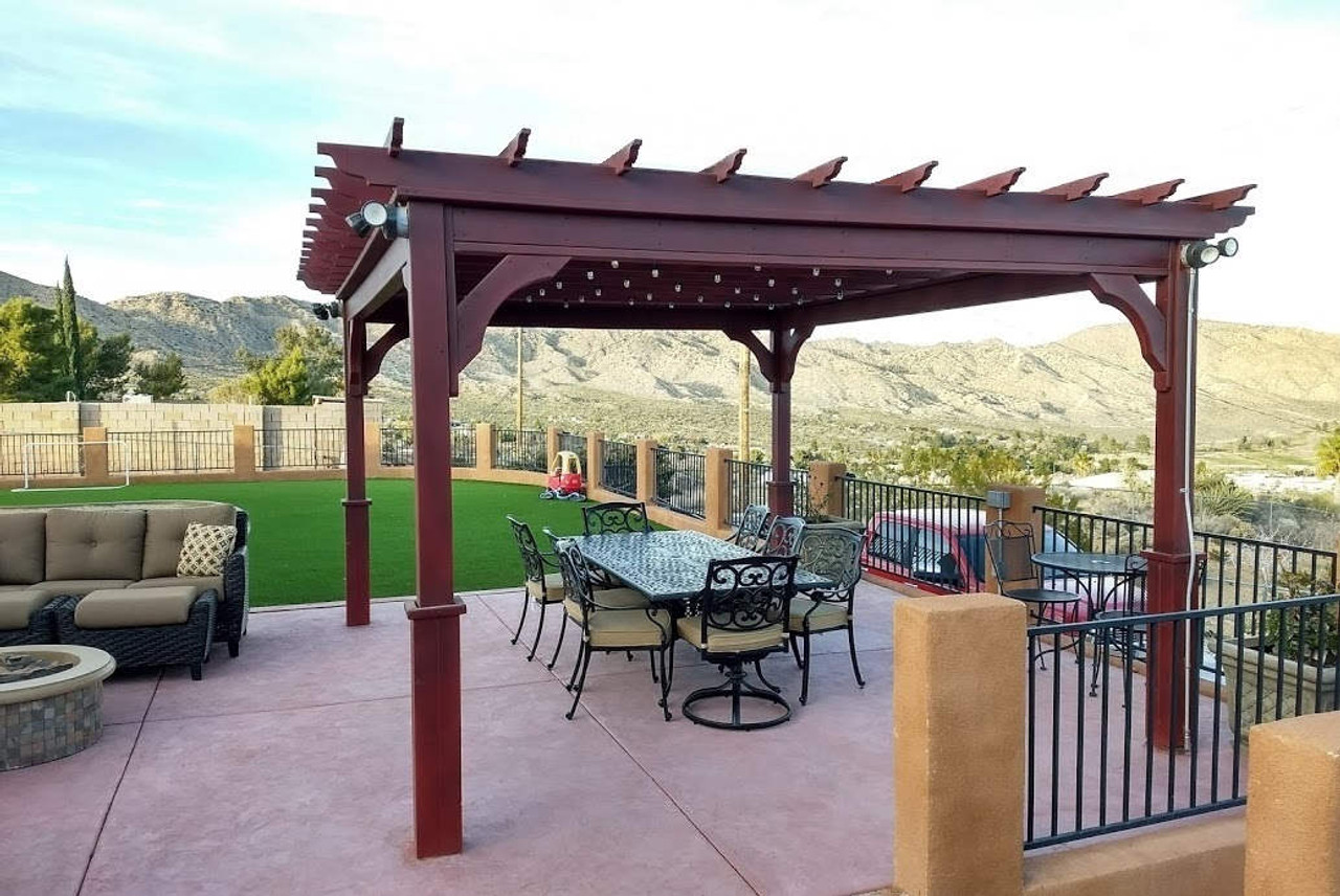 Pergola with artificial turf / Yucca Valley, California
