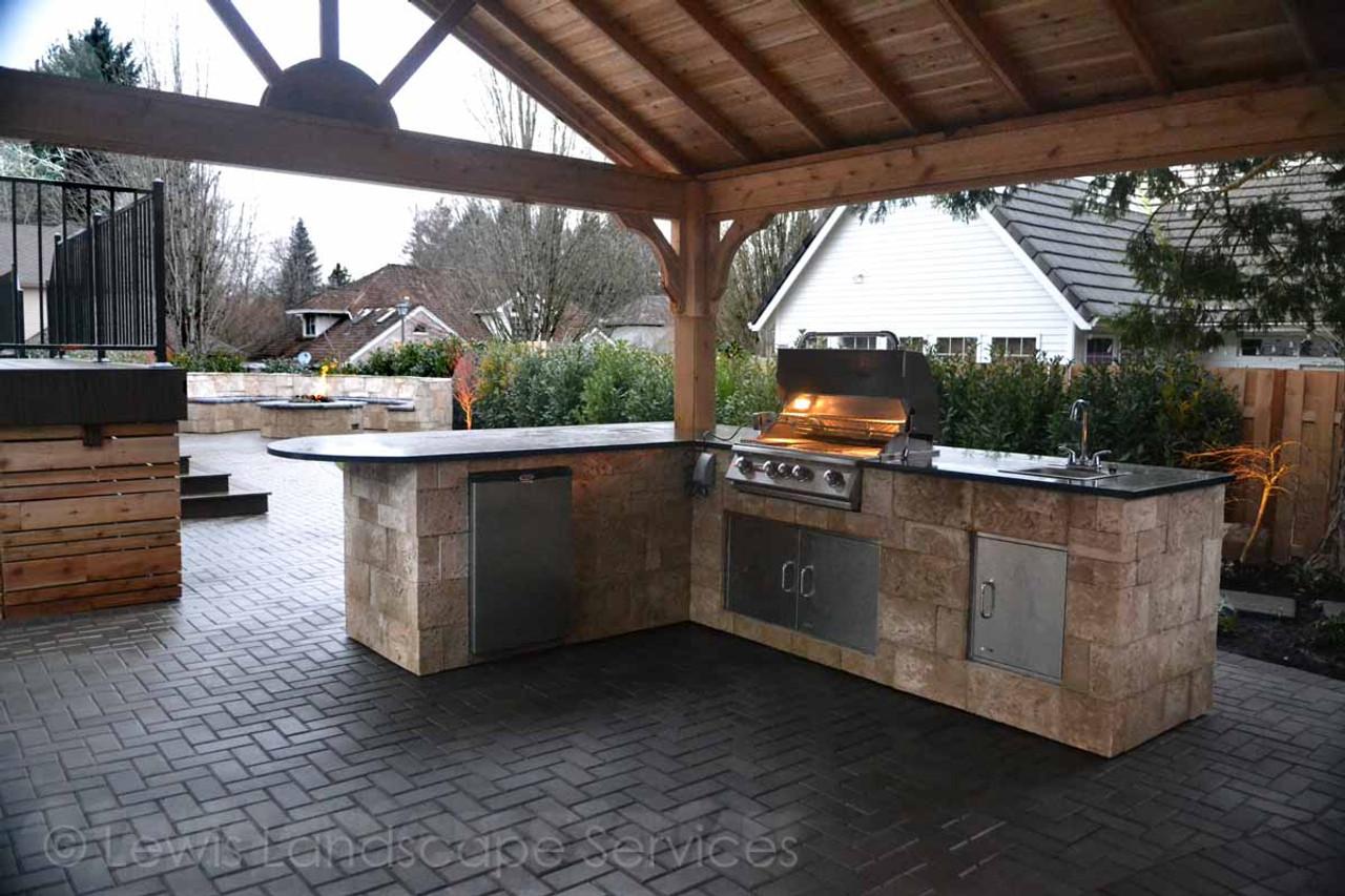 Outdoor kitchen under cedar roof / Tualatin, OR