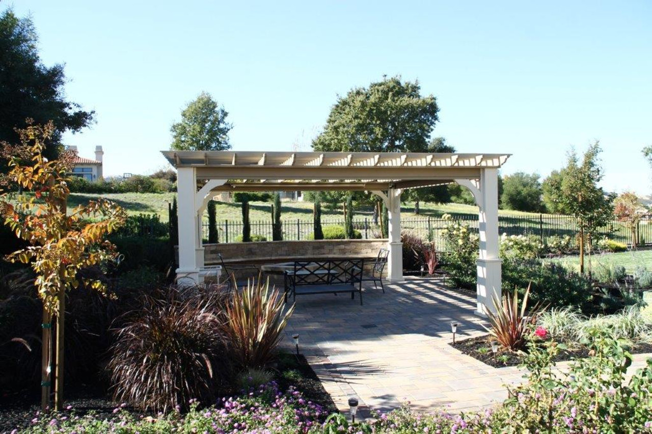 Idea for garden with pergola and pavers.