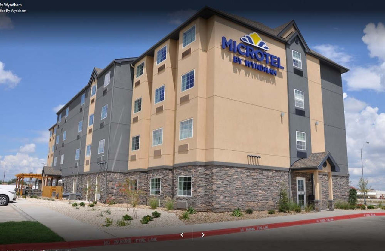 12x24 Classic Cedar Pergola Kit For Hotel - Lubbock, Texas
