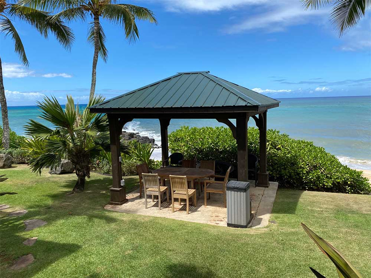 10x12 Western Red Cedar Traditional (Hip) Roof Pavilion Honolulu, HI