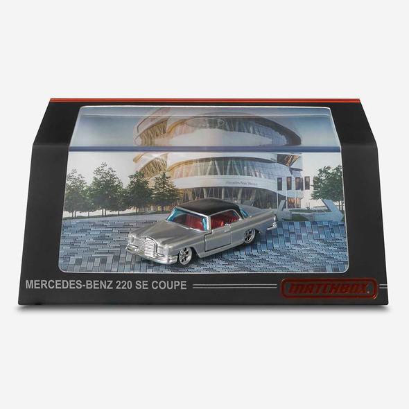 Matchbox '62 Mercedes-Benz 220 SE Coupe
