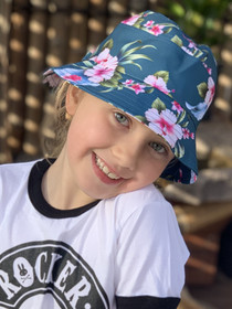 Six Bunnies Luau Green Girls Bucket Hat