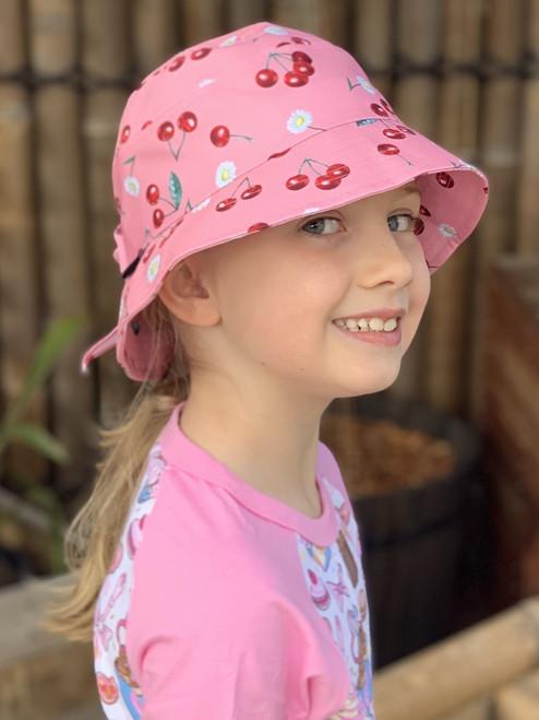 Six Bunnies Cherry Daisies Girls Bucket Hat