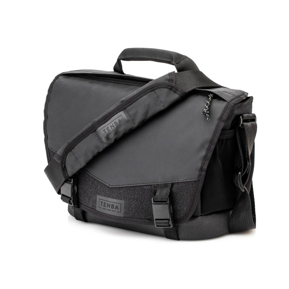 Tenba DNA 9 Messenger Bag  Black