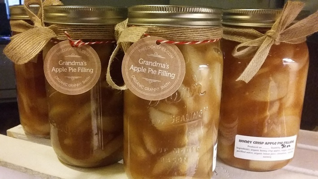 Fresh apple pie filling made with fresh organic apples.
