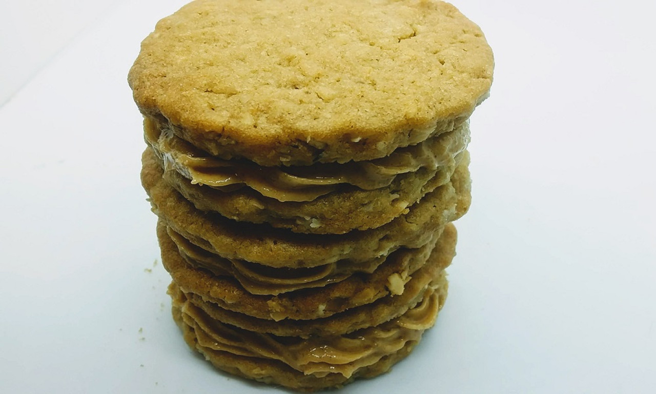 Crisp peanut butter cookie sandwiched with sweetened whipped peanut butter.