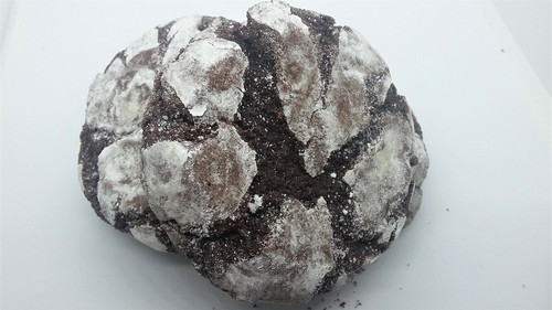 soft and chewy chocolate crackle cookie made with dark cocoa's and dusted with powdered sugar.