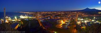 Taranaki an New Plymouth City Lights at dusk