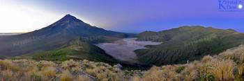 Taranaki at dawn from Henry peak