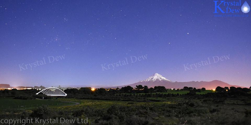 Night shot of Taranaki with southern cross