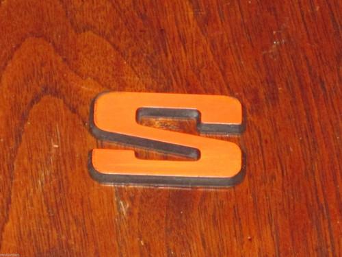 """S"" red letter/black CAR BADGE 1 7/18"" or 48mm Australia Ford? Laser? FREE POST"