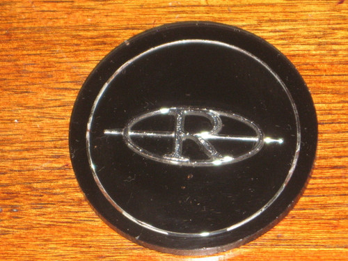 BUICK RIVIERA EMBLEM for WIRE HUB CAP 1979-1985 models, FREE POST anywhere!