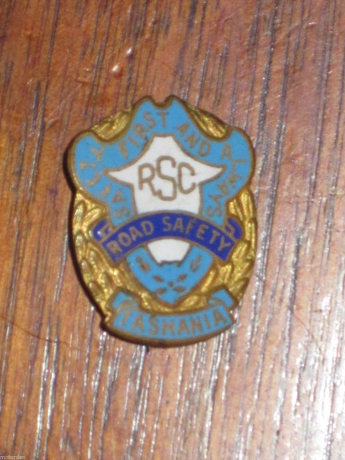 Tasmania ROAD SAFETY COUNCIL porcelain enamel pin badge Wallace Bishop FREE POST