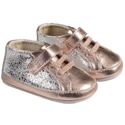 Angle - Robeez Pink Clara First Kicks