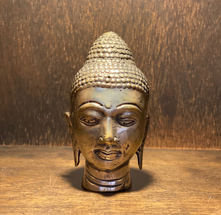 Buddha heads are the icon of confidence, awareness, knowledge, compassion and concentrated meditative practices. Statue height - 3.5 inches Each and every faculty of the Buddha head symbolizes a hidden meaning, philosophy, history, occult, and above all how to individually and collectively be great, noble and kind human beings.