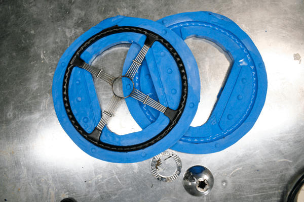 rigid resin automotive steering wheel