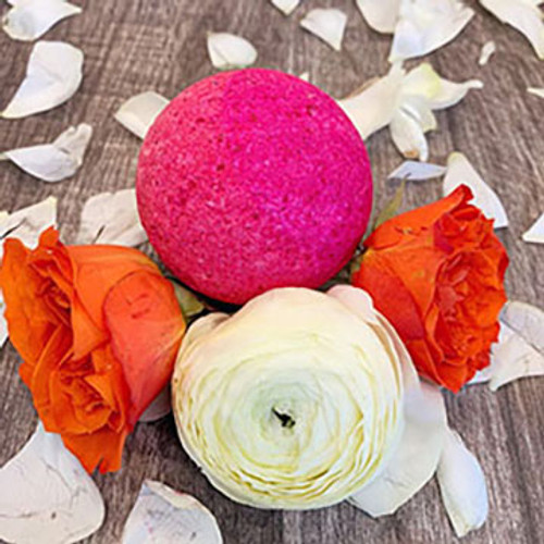Fizz away into fluffy silky fuchsia waters with this fresh, fun bath bomb! Rose Absolute and Violet Absolute aromas are perfect any day.