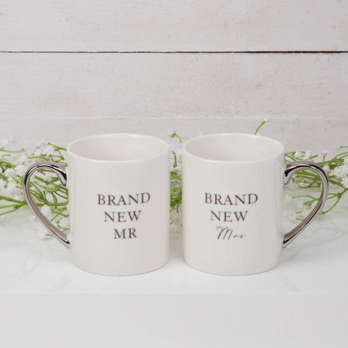 Brand New Mr & Mrs Mug Set