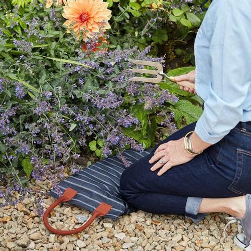 Sophie Conran Kneeler | 100% Cotton | Water-Resistant Coating