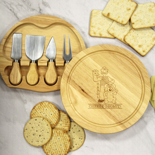 Personalised Wallace & Gromit Cheese Gromit Round Cheese Board and Knife Set