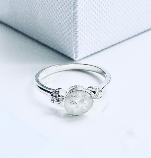 Diamante ashes ring, ashes Jewellery, ashes into Glass, Ashes memorial jewellery