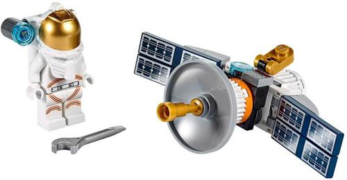 LEGO PolyBag Minifigure Set 30365 - Astronaut with Space Satellite 36 pcs (AstronautPoly30365)