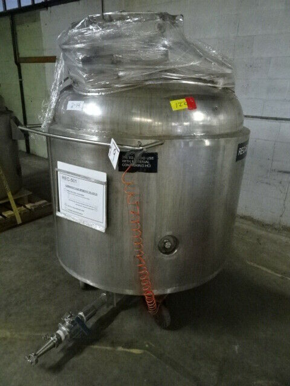 2002 Perry Products Stainless Vertical Jacketed Vessel; 270 Gallon; VRX-270