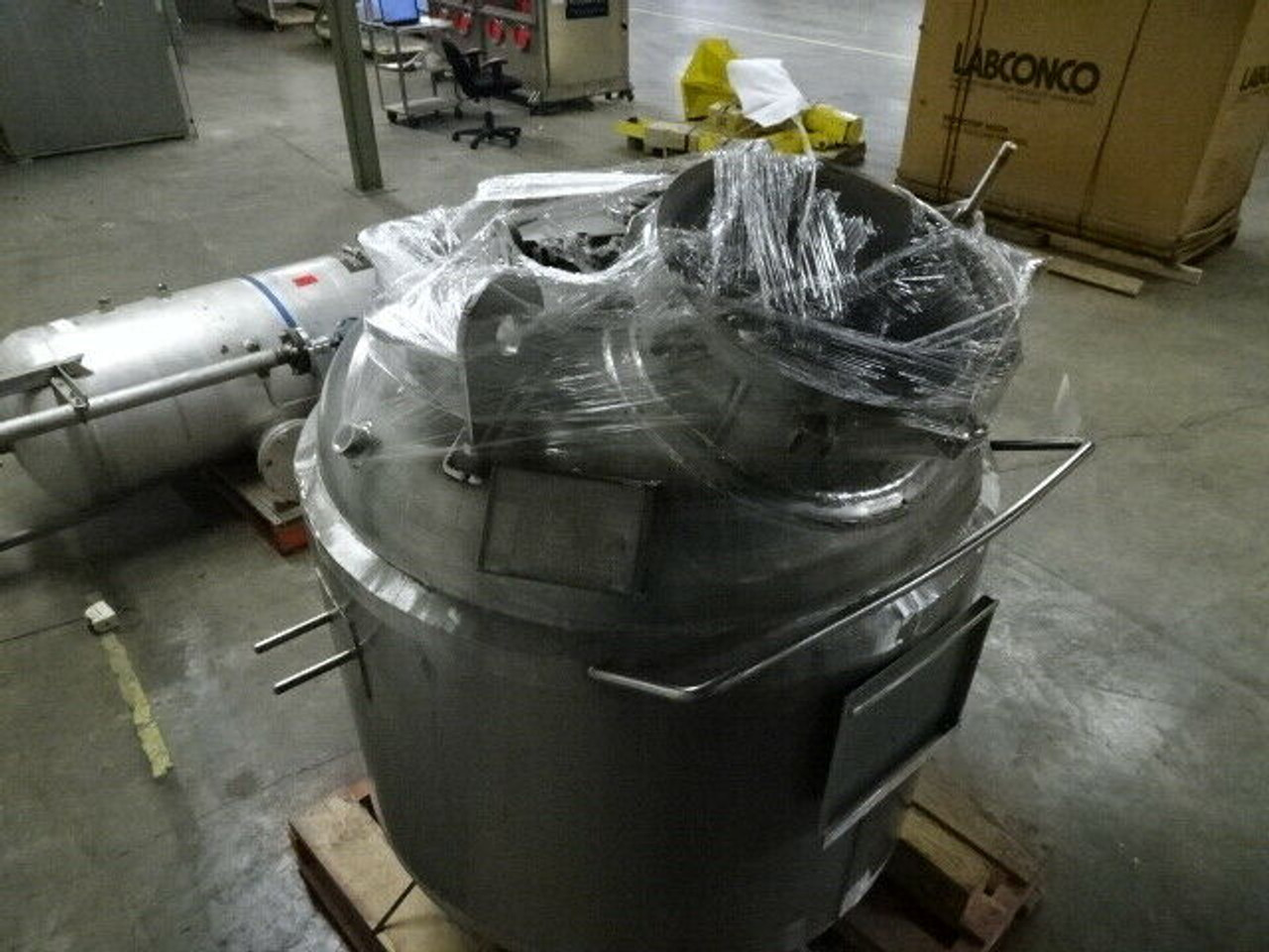 2002 Perry Products Stainless Vertical Jacketed Vessel; 160 Gallon; VRX-160