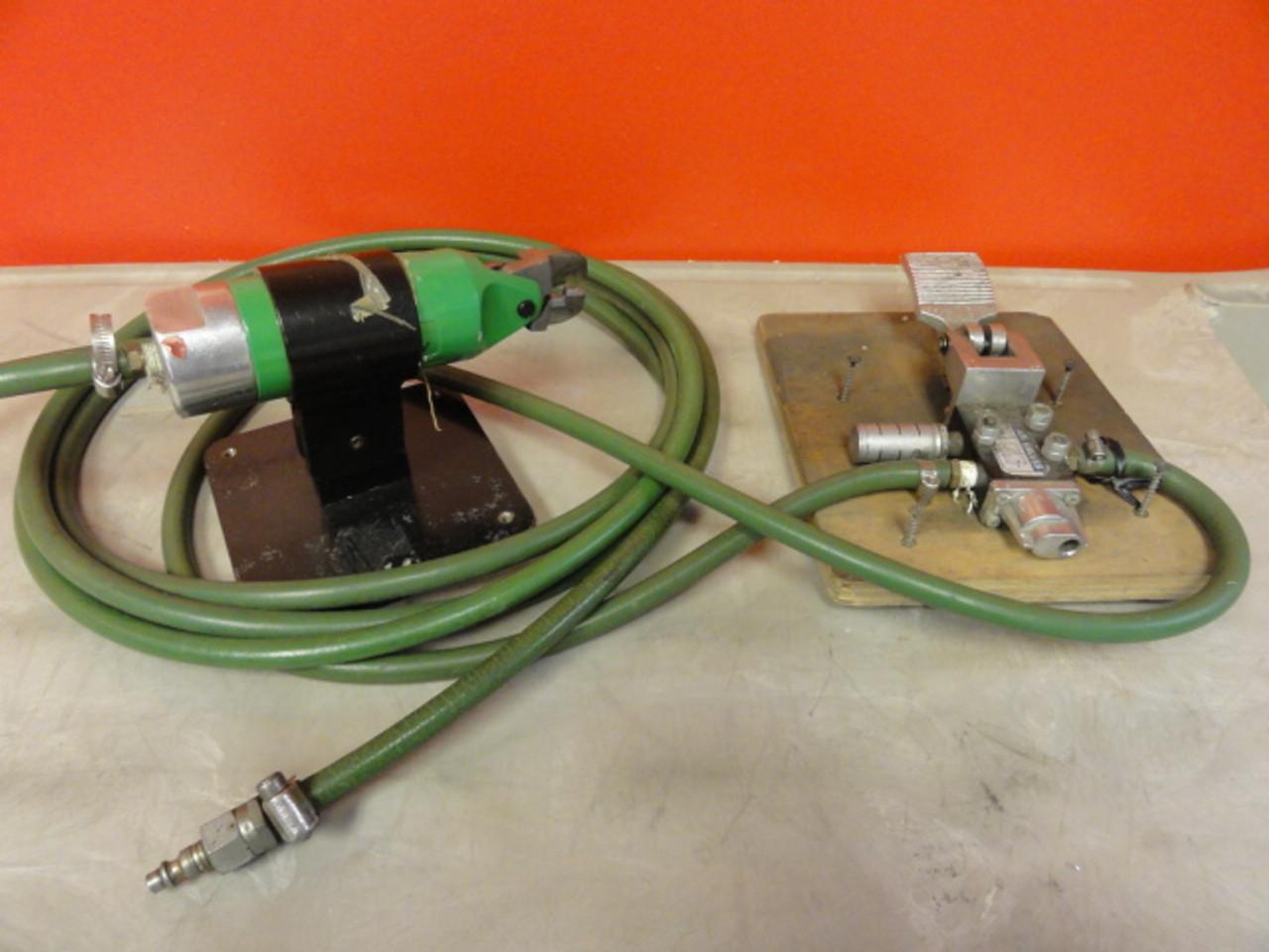 Seals AM300 Air Nipper w/ 303-02 Air Valve Pedal Control, Base & Hose