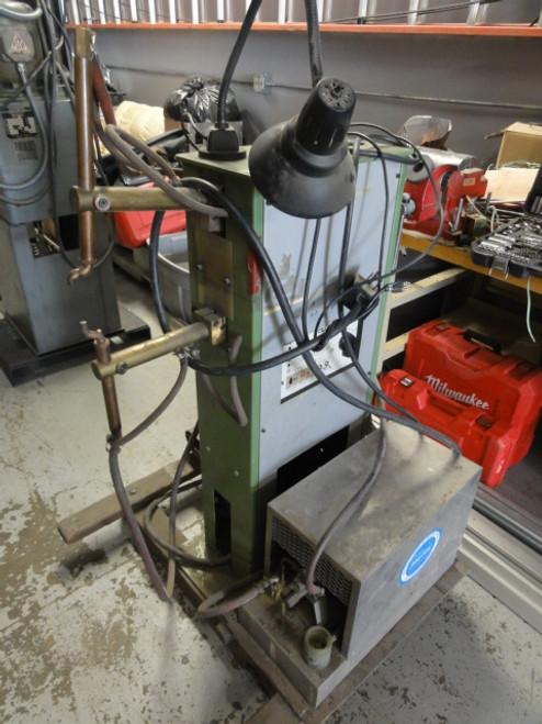 LORS Machinery TECNA Model 4204A Spot Welder