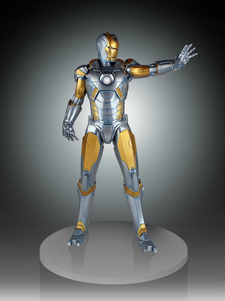Metropolis Iron-Man Armor Variant Statue Thumbnail 6