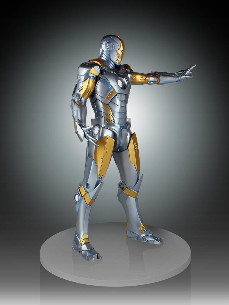 Metropolis Iron-Man Armor Variant Statue Thumbnail 7