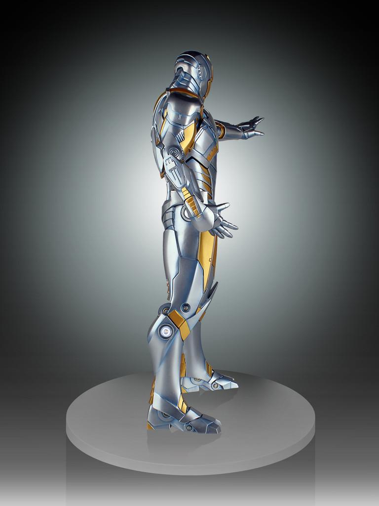 Metropolis Iron-Man Armor Variant Statue Thumbnail 9