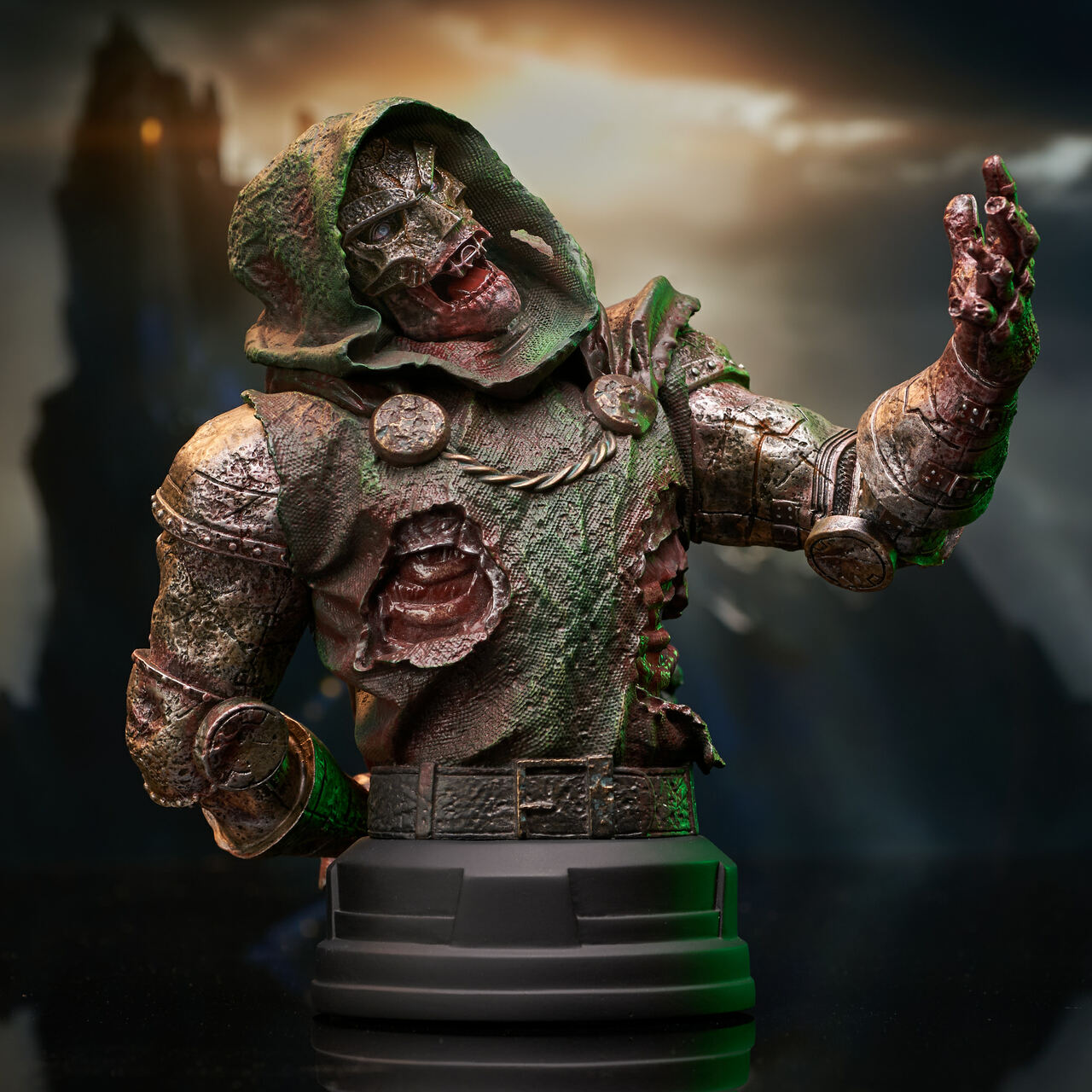 Doctor Doom (Zombie) Mini Bust - 2021 NYCC Exclusive Marvel_ZombieDoom_Bust_02__90683.1628206891