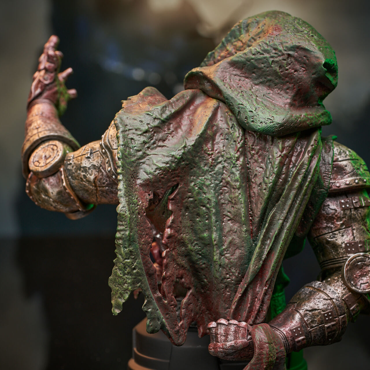 Doctor Doom (Zombie) Mini Bust - 2021 NYCC Exclusive Marvel_ZombieDoom_Bust_11__49871.1628206908