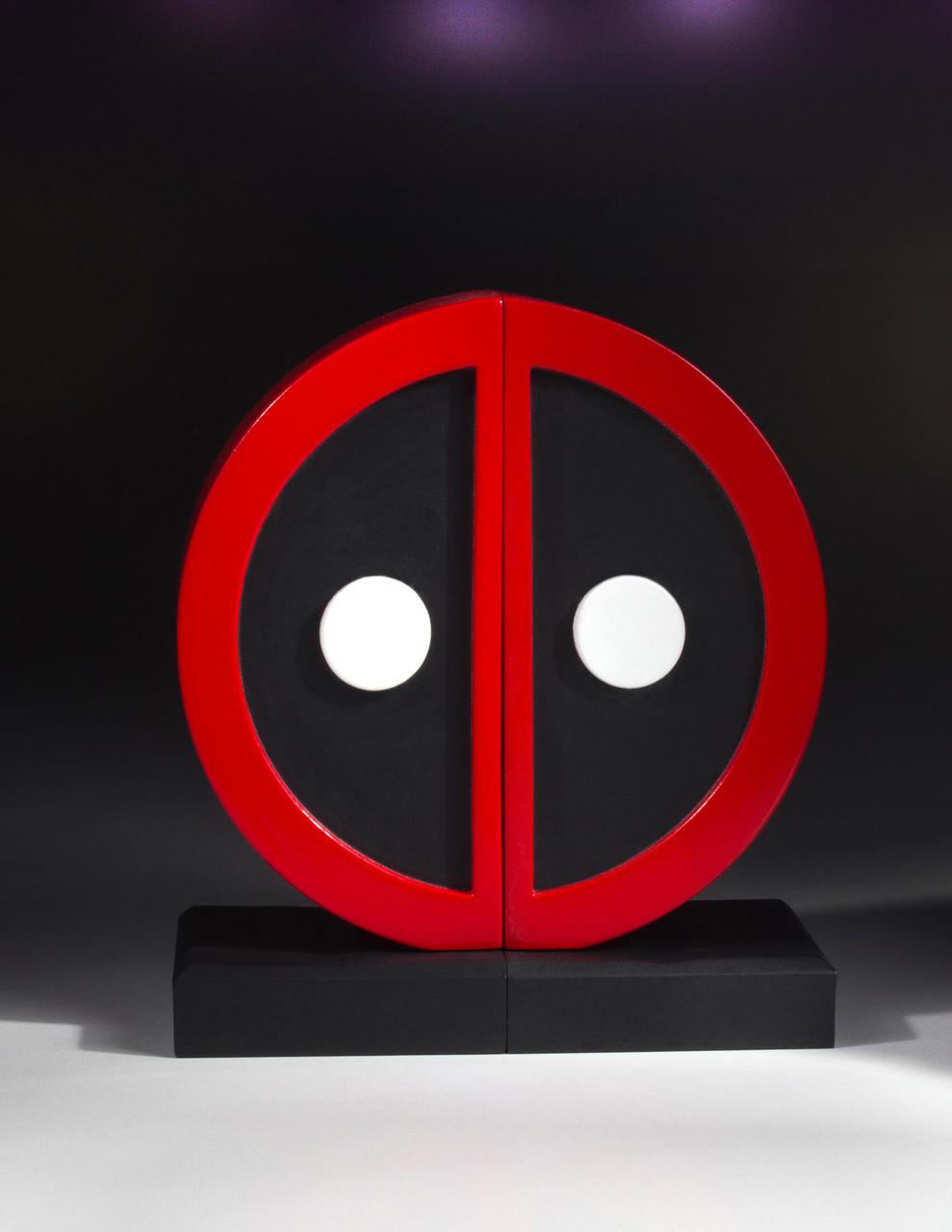 Deadpool Logo Bookend Set Collectible Gentle Giant