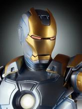 Metropolis Iron-Man Armor Variant Statue Thumbnail 8