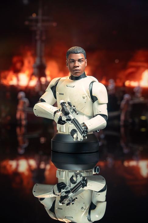 Star Wars: The Force Awakens™ - Finn FN-2187 Mini Bust