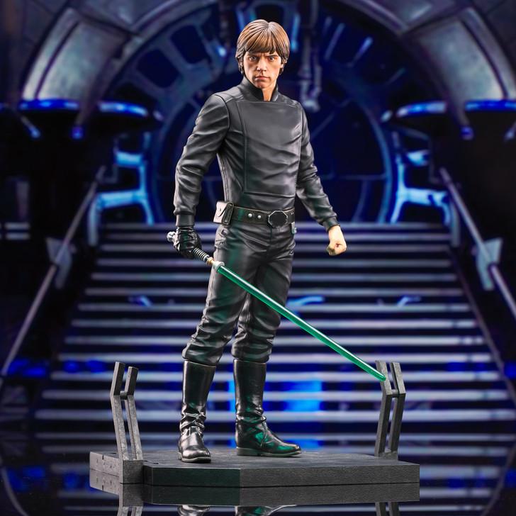 Luke Skywalker Milestone Statue