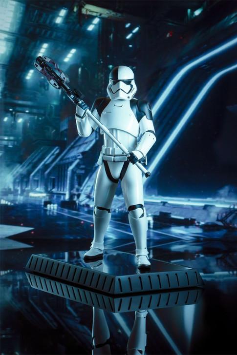Star Wars: The Last Jedi™ - Executioner Trooper Milestones Statue