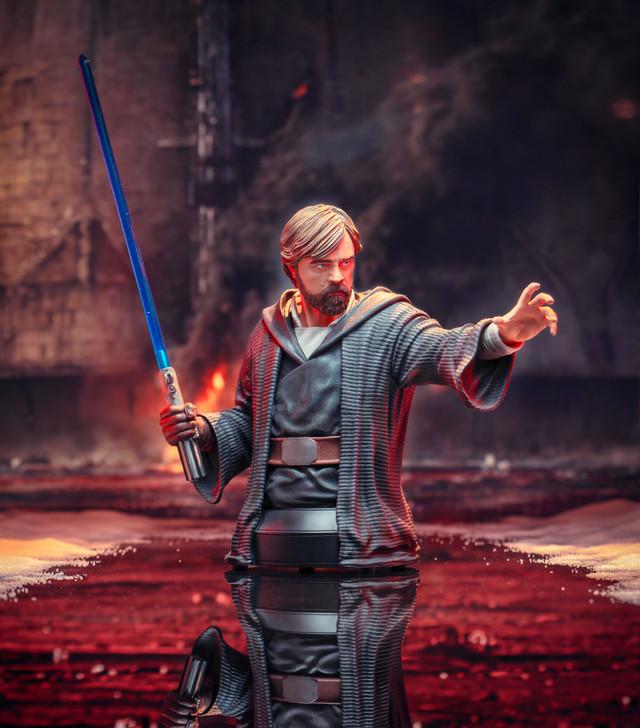 Star Wars™ The Last Jedi - Luke Skywalker (Crait) Mini Bust