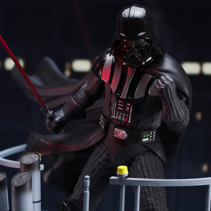 Star Wars: The Empire Strikes Back™ - Darth Vader™ Milestones Statue