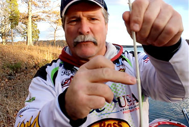 Rapid Fishing Solutions video preview of pro angler Rick Williams demonstrating Rapid's Line Guides.
