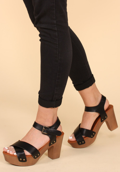 Criss Cross Front Wooden Clog Heeled Sandals black on model
