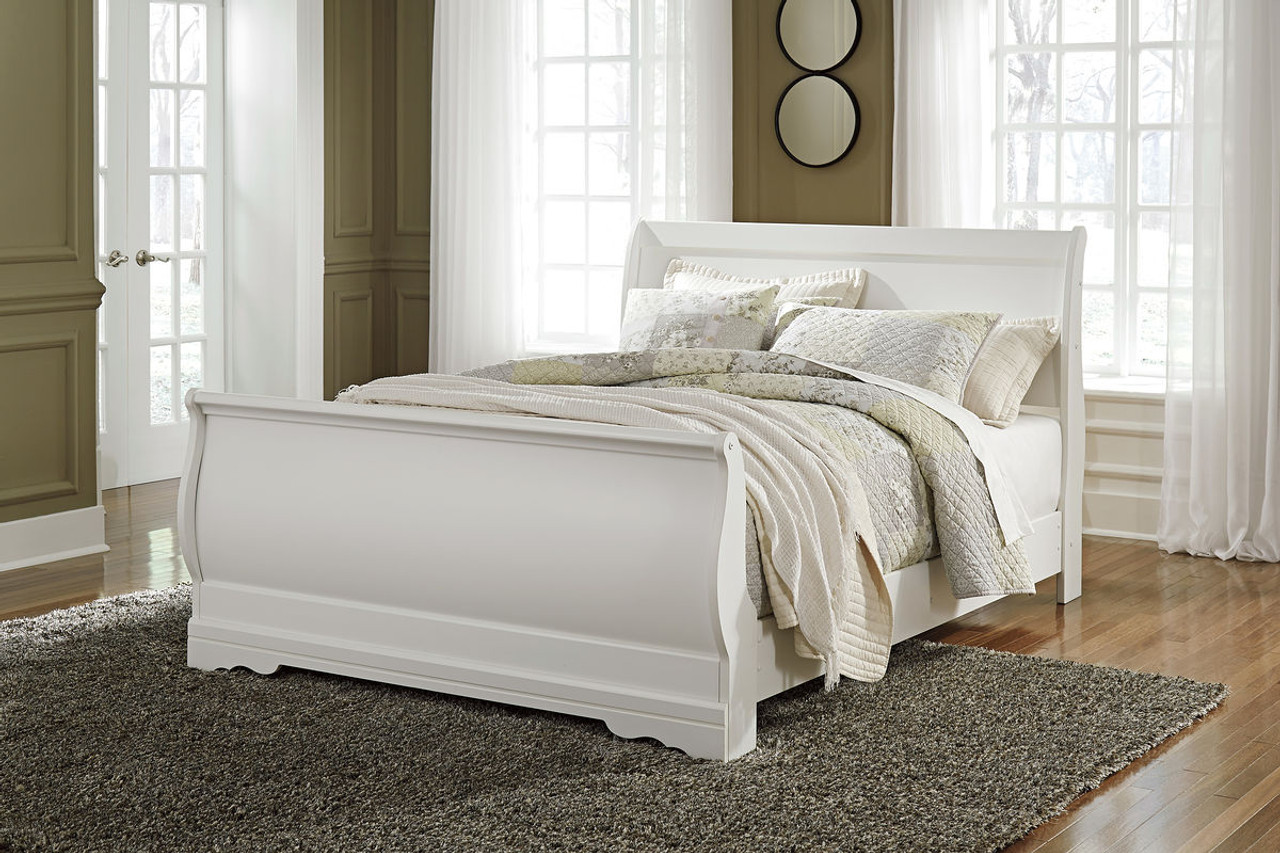 The Anarasia White Queen Sleigh Bed available at Logan Furniture