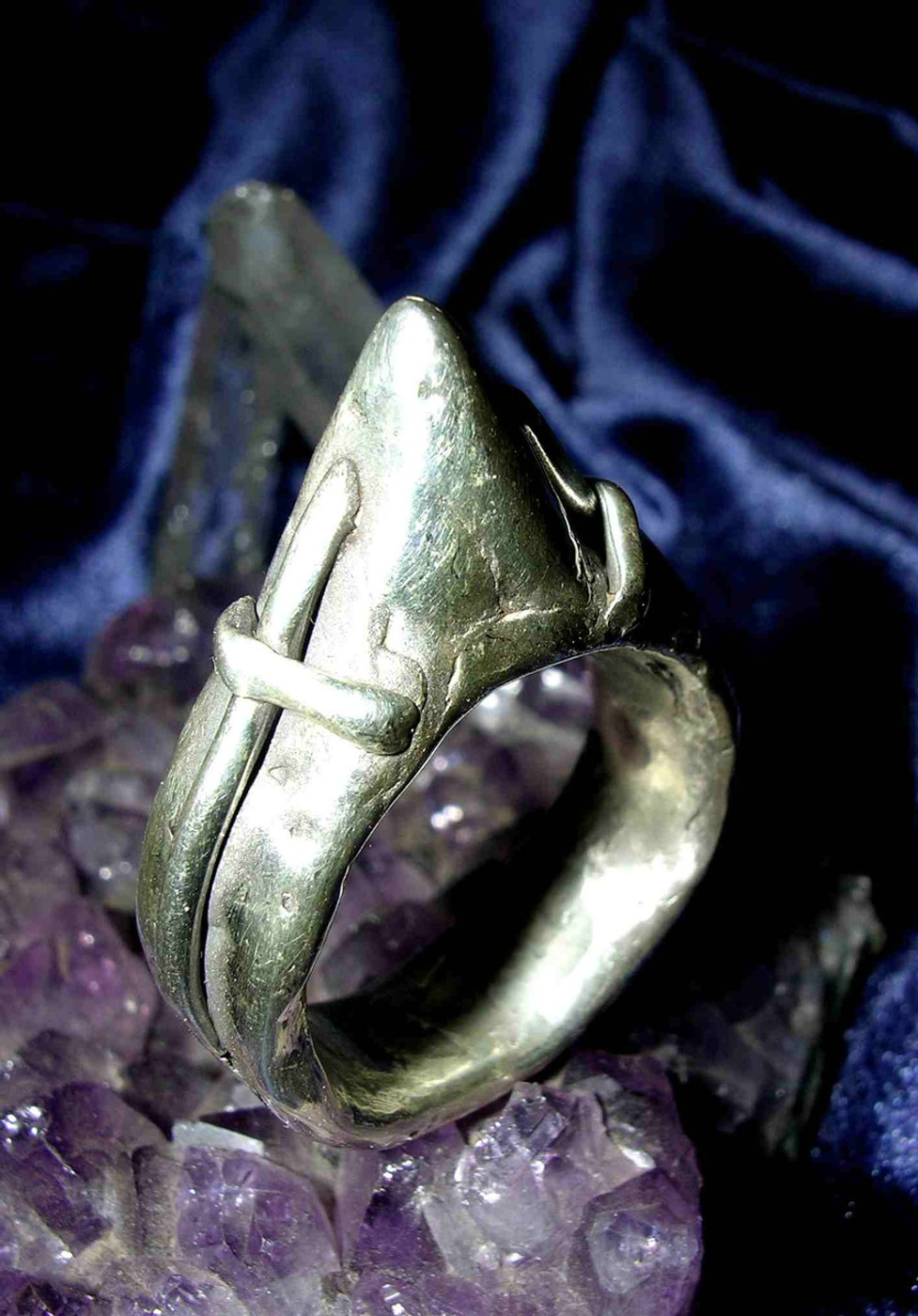 Merlin's Knights of The Round Table Magick Cross of Protection Ring