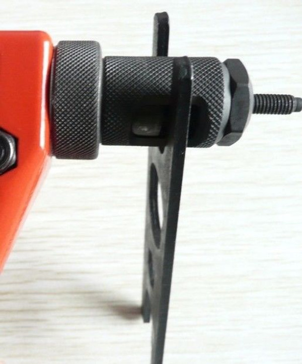 Auto Rotate Rivet Nut long arm puller tool wrench Mandrel view.